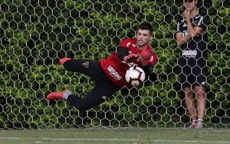 Tiago Volpi, goleiro do São Paulo