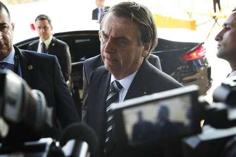 Cobrado sobre decisão de retirar autismo do censo 2020, Bolsonaro ironiza que sancionaria o projeto, mas que aumentaria a carga tributária para compensar
