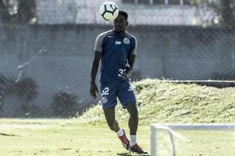 Caju deve ser o novo reforço do Braga-POR para a próxima temporada (Foto: Ivan Storti/Santos)