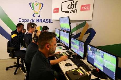 Mais uma vez, VAR foi decisivo nas quartas de final da Copa do Brasil (Foto:Reprodução)