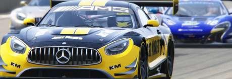 F1BC: Na GT Series, Rafael Amaral domina prova em Silverstone