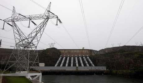 Usina hidrelétrica de Furnas, em São José da Barra (MG)  14/01/2013 REUTERS/Paulo Whitaker