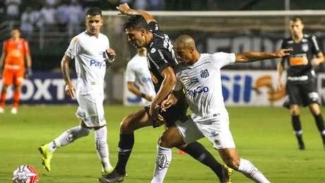 Danilo Avelar é o dono da lateral-esquerda do Corinthians (Rodrigo Gazzanel/RM Sports/Lancepress!)