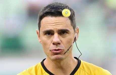O árbitro Rodrigo D'Alonso Ferreira atuará em duas partidas seguidas do Palmeiras (Agência Palmeiras/Divulgação)