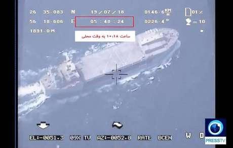 Imagem divulgada pelo Irã mostra navio americano visto de drone que teria sido abatido