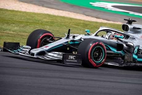 Hamilton quer que os pilotos tenham mais voz no calendário da Fórmula 1