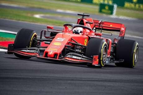 Vettel está totalmente comprometido com a Ferrari, segundo Binotto