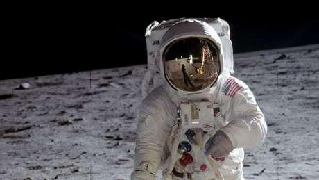 Edwin 'Buzz' Aldrin foi fotografado por Neil Armstrong na superfície lunar