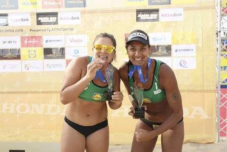 Ana Patrícia e Rebecca vencem Ágatha e Duda e faturam bronze no vôlei de praia