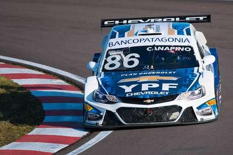 Argentino chega à Stock Car e já lidera primeiro treino em dobradinha da Hot Car