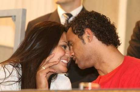 Ingrid Calheiros comemora liberdade do goleiro Bruno Fernandes (Foto: Reprodução)