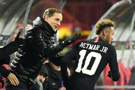 Thomas Tuchel torce pela permanência de Neymar no PSG (Foto: AFP)