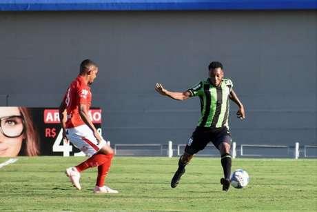 O empate no Serra Dourada manteve o Coelho entre os quatro piores da Série B-(Divulgação/América-MG)