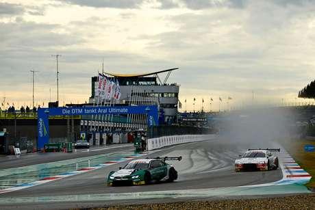 Com a pista molhada, Marco Wittmann vence a primeira corrida em Assen