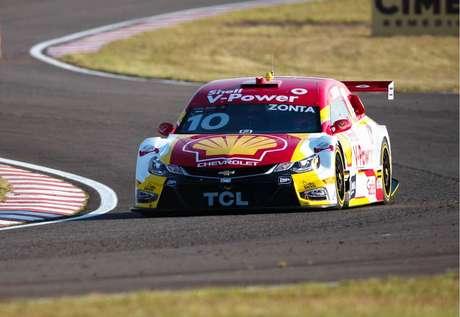 Shell larga com Zonta e Átila entre os dez primeiros colocados na Stock Car em Santa Cruz do Sul