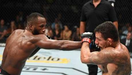 Rafael dos Anjos perdeu por decisão unânime para o norte-americano Leon Edwards no evento do UFC realizado em San Antonio