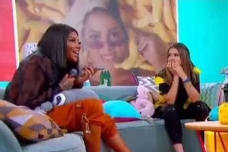 Ludmilla e Maisa passam trote na cantora Anitta.