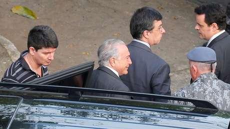 Temer durante detenção em maio; ex-presidente caracteriza prisões como 'um desrespeito brutal'