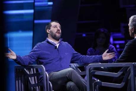 Macron ataca Salvini por ausência em reunião sobre migrantes