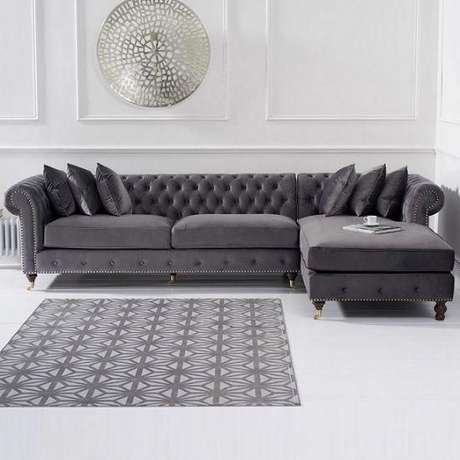 14. É possível encontrar sofá chesterfield com chaise. Foto: Home Decor Mall