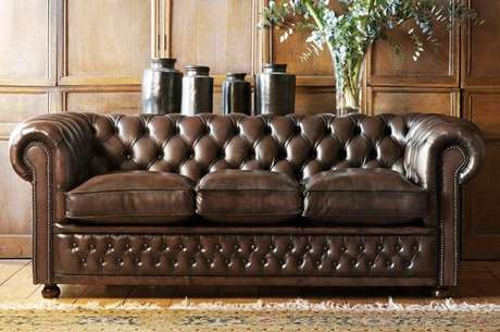 52. As almofadas do sofá chesterfield costumam ser muito confortáveis. Foto: My Soulful Home