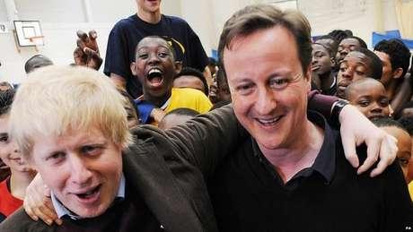 Boris Johnson e o ex-premiê David Cameron (acima, em 2010) estão entre os muitos líderes políticos britânicos que estudaram em Oxford