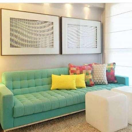 11. Escolha cores de sofá moderno que combinem com a decoração de sua sala – Foto: Pinterest