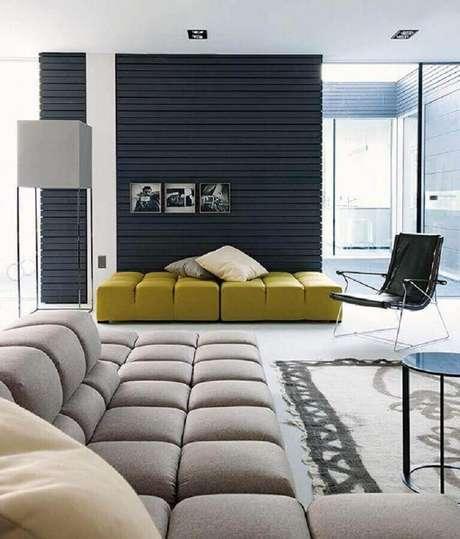 16. Utilize diferentes cores de sofá moderno para uma decoração mais descontraída – Foto: Ingrid Furniture