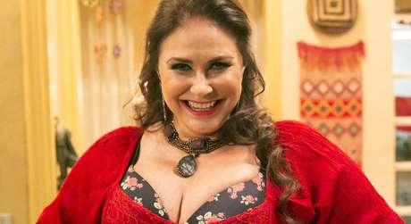 A cantora militou ao lado de políticos progressistas para o restabelecimento da democracia no Brasil
