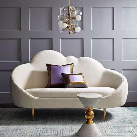 29. Modelo lindo e delicado de sofá moderno branco com encosto de nuvem – Foto: Pinterest