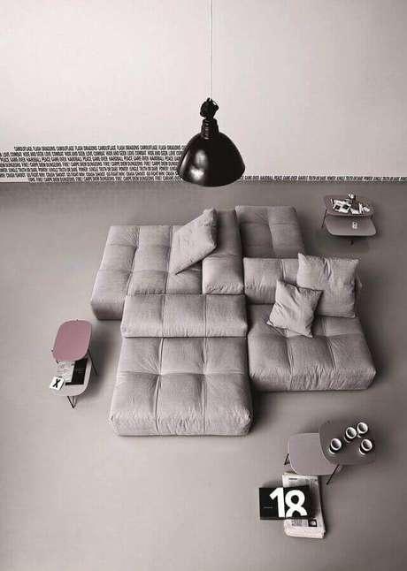 49. Os sofás camas modernos são a melhor escolha para quem busca um sofá bem confortável – Foto: Mathilda Weihage