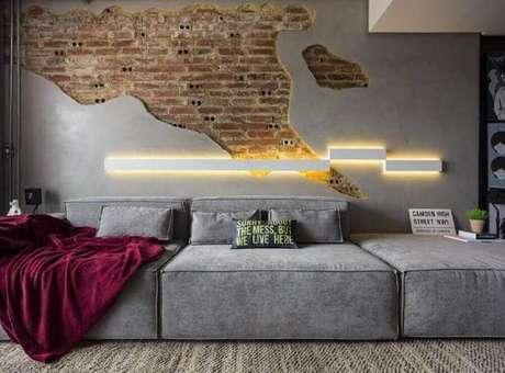 57. Sofás modernos e confortáveis para decoração de sala com estilo industrial – Foto: Pinosy