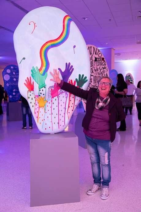 Escultura 'O som do coração', pintada por Sônia Botture e patrocinada pela Telex Soluções Auditivas