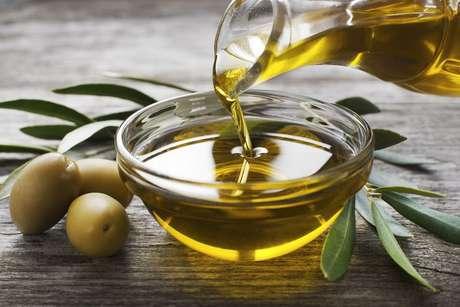 Descubra por que o azeite faz bem à saúde e conheça seus benefícios
