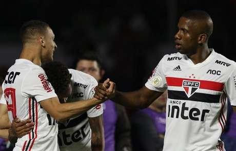 Toró marcou um dos gols da goleada do São Paulo sobre a Chapecoense (Foto: Rubens Chiri/saopaulofc.net)