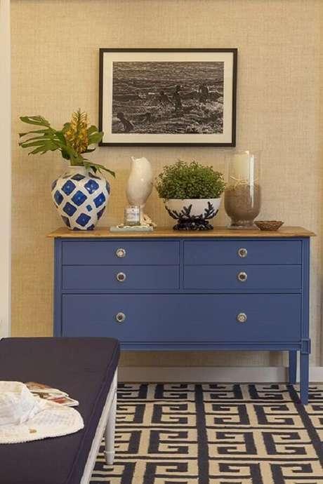 11. As cômodas coloridas são excelentes para colocar um toque a mais de personalidade nos ambientes – Foto: Pinterest