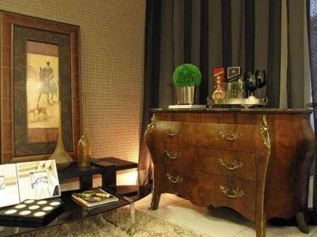 24. A cômoda vintage é cheia de charme e elegância em seu design curvilíneo – Foto: Symoon Hilgemberg