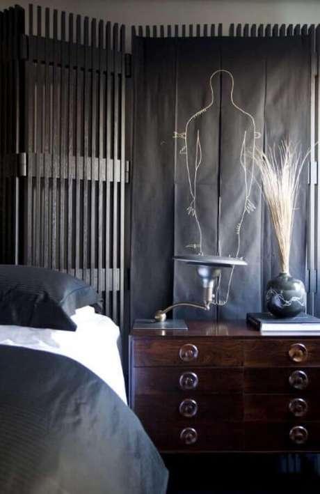 5. Móveis escuros são uma alternativa para quem prefere um quarto de casal mais discreto – Foto: Studio GPPA.