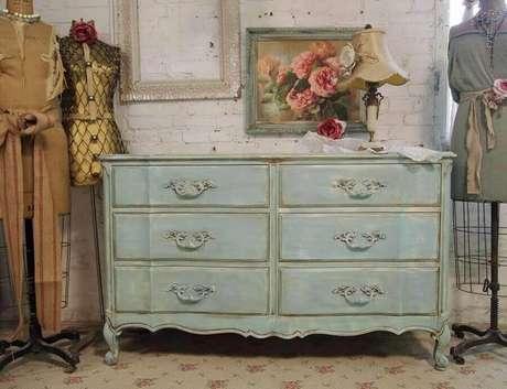 52. Modelo de cômoda vintage com pintura envelhecida – Foto: Sarah Rayala