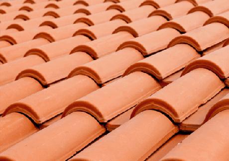 24. Qualquer pessoa consegue instalar telha portuguesa. Foto: A Arquiteta
