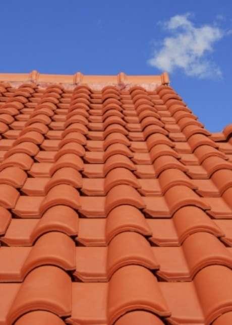 17. Uma boa telha portuguesa deve ser resistente. Foto: UOL