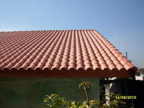 15. A telha portuguesa exige manutenções. Foto: ConstruindoDECO