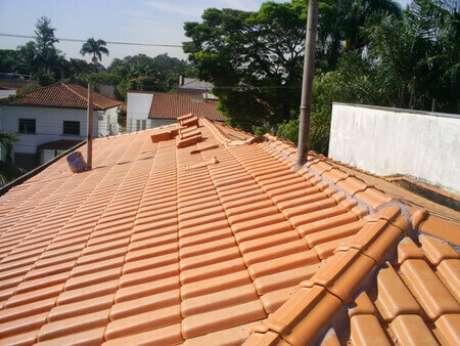 3. A telha portuguesa esmaltada é muito resistente. Foto: ConstruindoDECOR