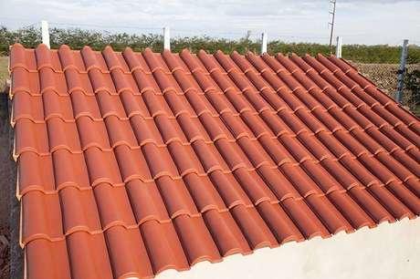 34. O telhado de telha portuguesa é simples e bonito. Foto: Top Telha