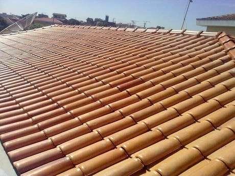 33. A telha portuguesa é resistente ao sol. Foto: Ditinho Telhados