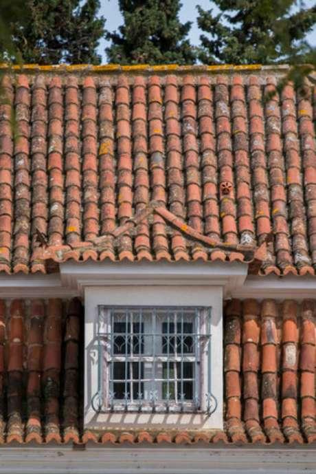 26. A telha portuguesa pode ser utilizada de muitas formas. Foto: Freepik