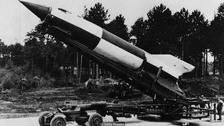 Nighit cientistas alemães que ajudaram a enviar as missões Apollo da NASA à lua já haviam trabalhado nos companhia V-2 para os nazistas