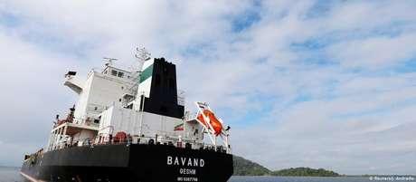 Bavand era um dos cargueiros retidos no porto de Paranaguá
