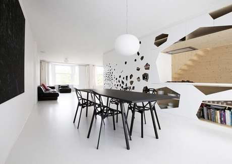 18. Combine as cores da mesa retangular com as cadeiras. Fonte: Pinterest