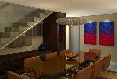 19. Complemente a decoração da sala de jantar com uma mesa retangular com tampo de vidro. Projeto Sabrina Carneiro